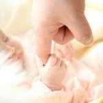 【新生児期】母乳の出る量や平均は?量の測定方法と母乳が出る感覚